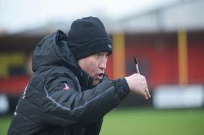 FOOTBALL: Banbury United boss Mike Ford determined to attack against Oxon rivals North Leigh